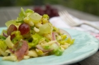 Rezept: Salat von Sptzle mit Schinken und Trauben